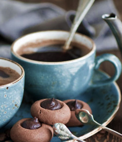 DON'T THROW AWAY YOUR USED COFFEE GROUNDS!